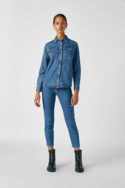 Pull & Bear Kadın Mavi Comfort Slim Fit Mom Jean 05682305