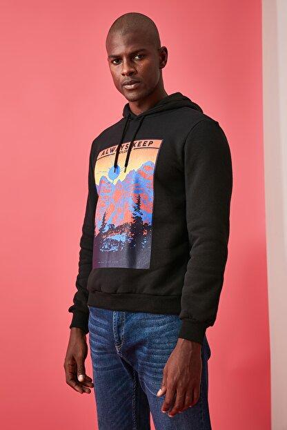TRENDYOL MAN Siyah Erkek Baskılı Sweatshirt TMNAW21SW0476