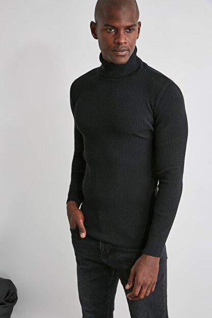 TRENDYOL MAN Siyah Erkek Slim Fit Lastik Örgü Balıkçı Yaka Triko Kazak TMNAW20MG0031