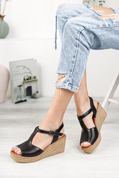 Deripabuc Hakiki Deri Siyah Kadın Dolgu Topuklu Deri Sandalet Dp55-2626