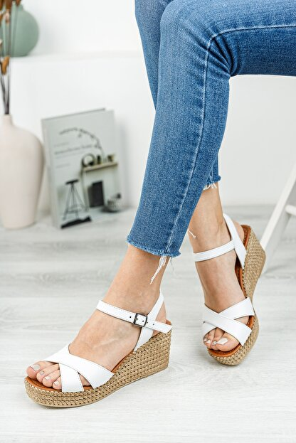 Deripabuc Hakiki Deri Beyaz Kadın Dolgu Topuklu Deri Sandalet DP55-2627