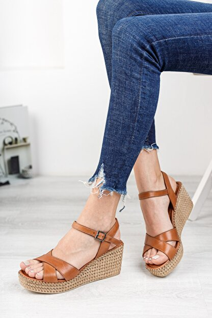 Deripabuc Hakiki Deri Taba Kadın Dolgu Topuklu Deri Sandalet Dp55-2627