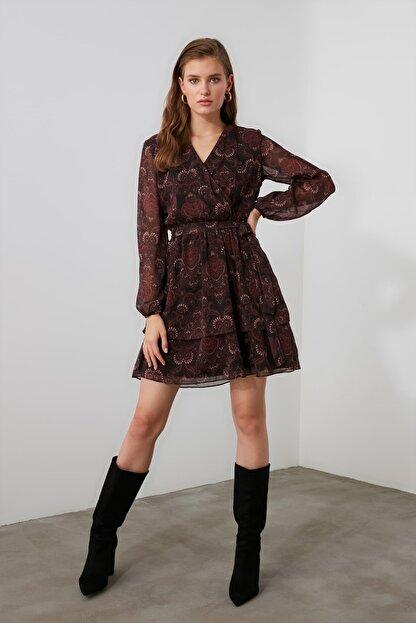 TRENDYOLMİLLA Bordo Kuşaklı Elbise TWOAW21EL1635