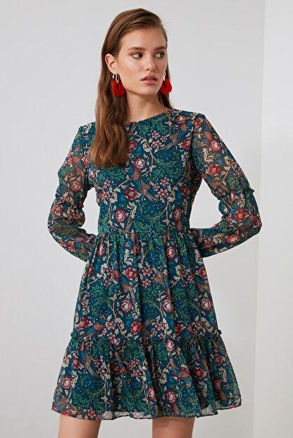 TRENDYOLMİLLA Çok Renkli Desenli Volanlı Elbise TWOAW21EL1780