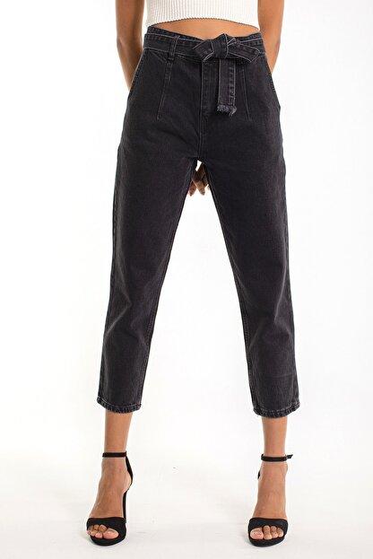 Denim Republic Kadın Siyah Kemerli Yüksek Bel Mom Jeans