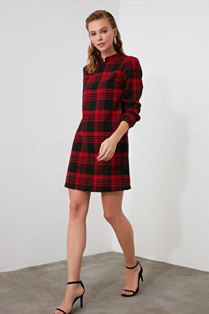 TRENDYOLMİLLA Kırmızı Ekoseli Elbise TWOAW21EL1164