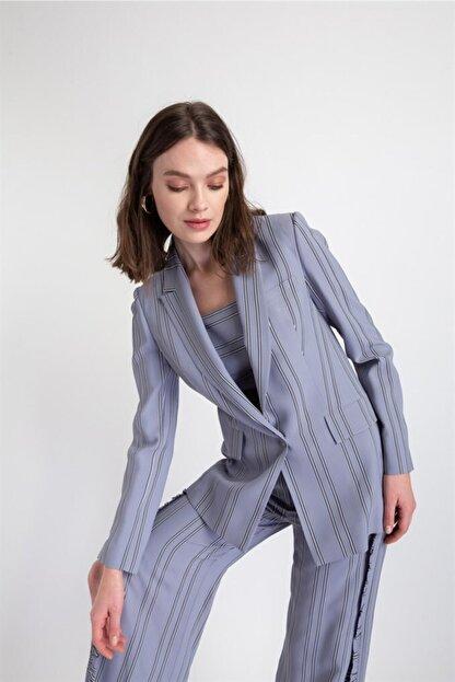 Rue Kadın Gri Çizgili Küt Form Ceket