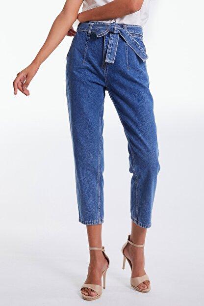 Denim Republic Kadın Mavi Kemerli Yüksek Bel Mom Jeans