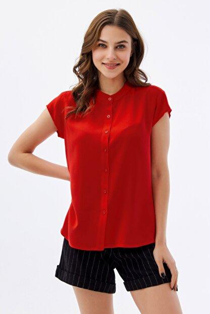 Pattaya Kadın Kırmızı Hakim Yaka Kısa Kollu Gömlek P21s110-1173