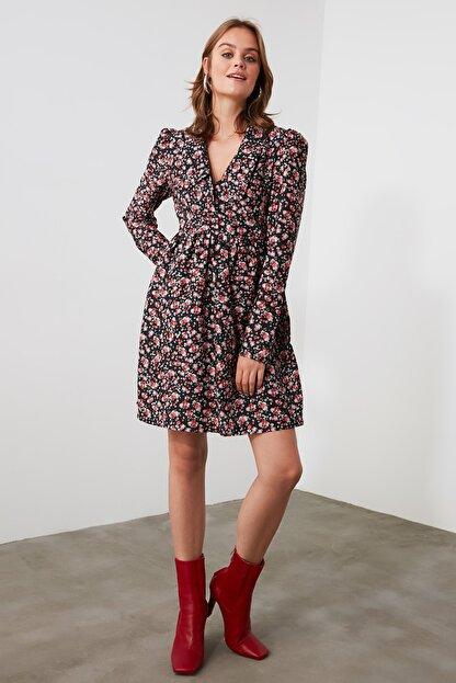 TRENDYOLMİLLA Çok Renkli Çiçek Desenli Elbise TWOAW21EL2013