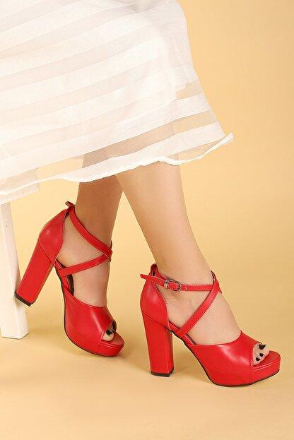 Ayakland Kadın Kırmızı Cilt Platform Topuklu  Abiye Ayakkabı 11 cm 3210-2058
