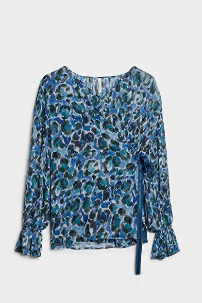 Yargıcı Kadın Mavi Desenli Plise Detaylı Bluz 0KKGM6019X