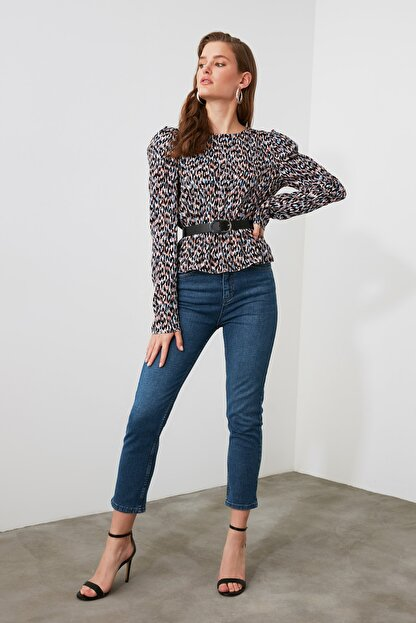 TRENDYOLMİLLA Mavi Yüksek Bel Mom Jeans TWOAW21JE0418