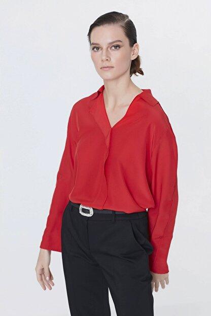 İpekyol Kadın Kırmızı Yaka Detaylı Bluz IS1200006093034