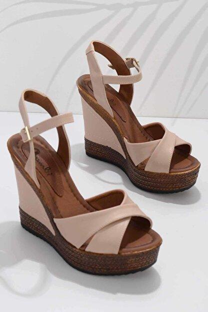 Bambi Nude Kadın Dolgu Topuklu Ayakkabı K05931070909