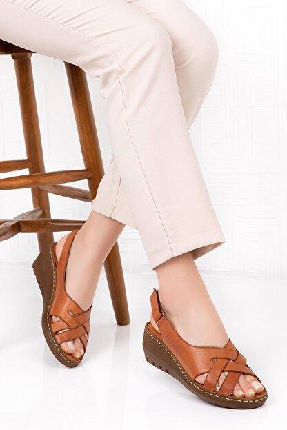 Bellacomfort Shoes Kadın  Kahverengi Hakiki Deri Dolgu Topuk Sandalet