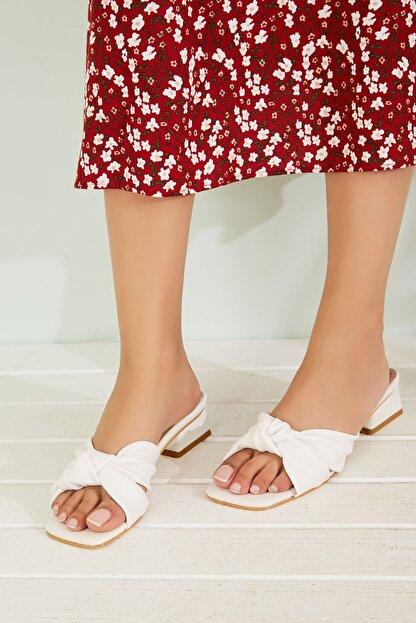 Sateen Kadın Beyaz Kısa Topuklu Terlik
