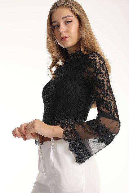 MD trend Kadın Siyah Dantelli Tül Detaylı Crop Bluz