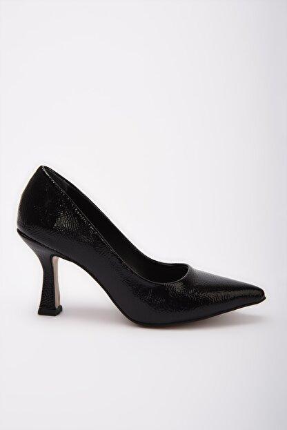Yaya by Hotiç Siyah  Klasik Topuklu Ayakkabı 01AYY197670A100