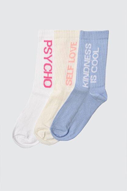 TRENDYOLMİLLA Çok Renkli Sloganlı 3'lü Paket Örme Çorap TWOAW21CO0020