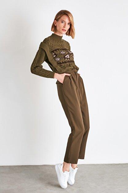 TRENDYOLMİLLA Haki Çıtçıtlı Pantolon TWOSS20PL0131