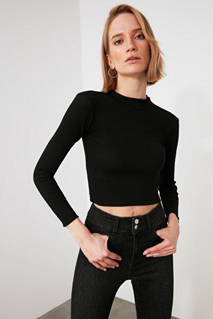 TRENDYOLMİLLA Siyah Dik Yaka Fitilli Örme Bluz TWOAW21BZ1032