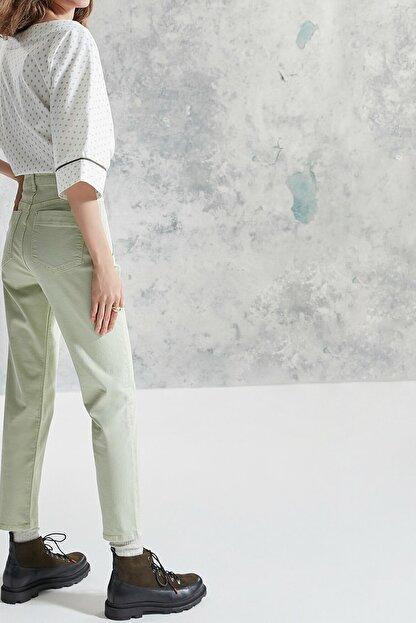 Yargıcı Kadın Nil Yeşili Simli Detaylı Pantolon 0KKPN3121A