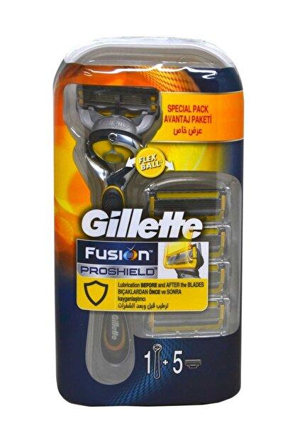 Gillette Fusion 5 Proshield Tıraş Makinesi + 5 Yedek Bıçak Hediye