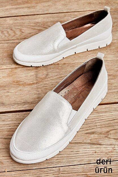 Bambi Hakiki Deri Beyaz Kadın Casual Ayakkabı L08099013