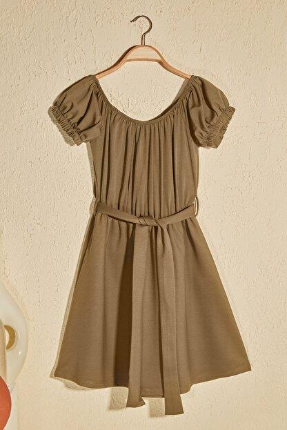 TRENDYOLMİLLA Haki Kuşak Detaylı Örme Elbise TWOSS20EL2764