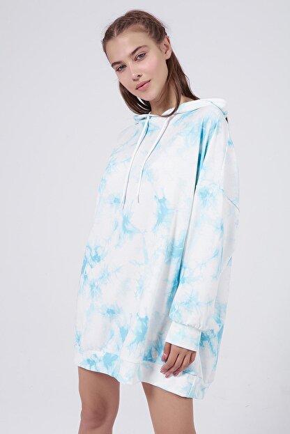 Pattaya Kadın Mavi Batik Desenli Kapşonlu Oversize Sweatshirt Elbise P20W-4145