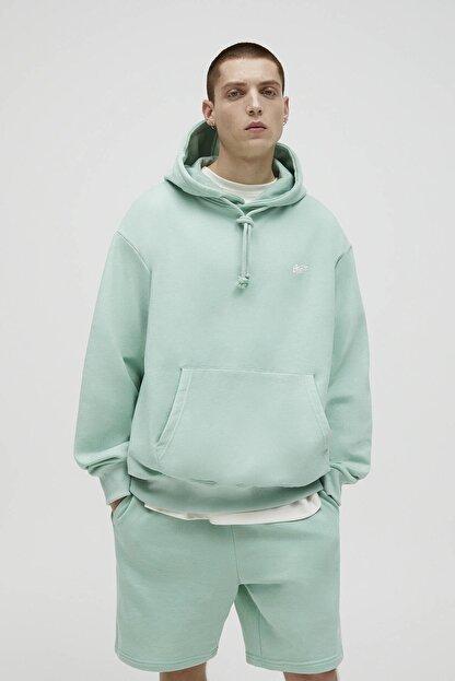 Pull & Bear Erkek Yeşil Basic Renkli Kapüşonlu Sweatshirt