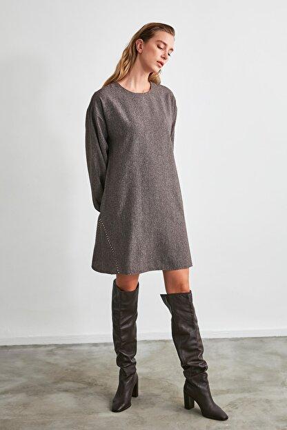 TRENDYOLMİLLA Kahverengi Basic Elbise TWOAW21EL2286