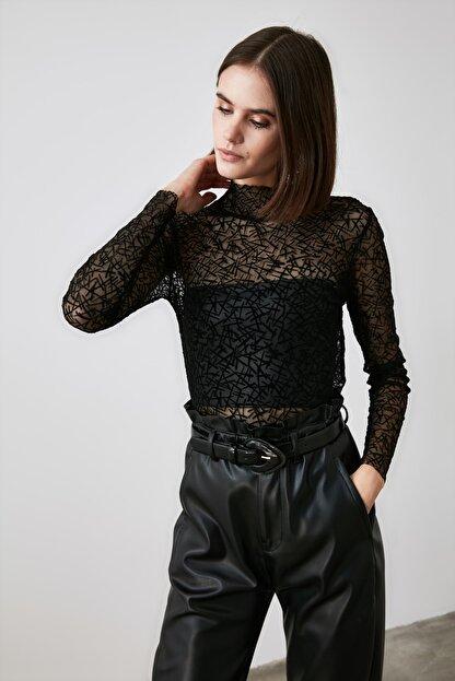 TRENDYOLMİLLA Siyah Tüllü Örme Bluz TWOAW21BZ1198