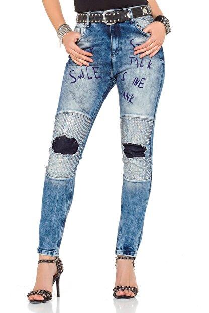 Cipo&Baxx Kadın Mavi Yazı Baskılı Yamalı Taşlı Kot Pantolon