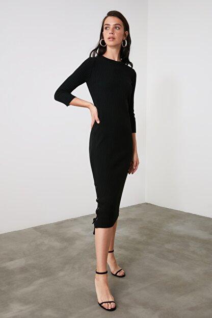 TRENDYOLMİLLA Siyah Bağlama Detaylı Triko Elbise TWOAW21EL2225