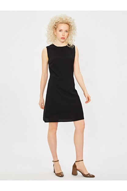 Vekem Kadın Siyah Kolsuz Klasik Kesim Krep Elbise