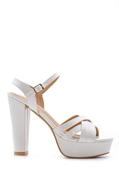 Derimod Kadın Beyaz Rugan Topuklu Ayakkabı