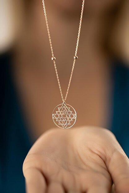 İzla Design Kadın Rose Kaplama Gümüş Sri Yantra Kolyesi