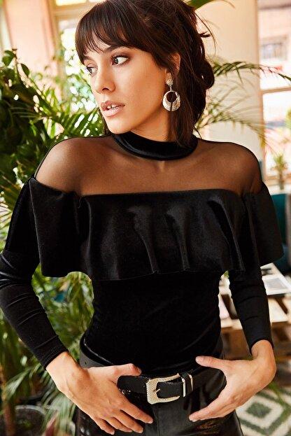 Olalook Kadın Siyah Roba Tüllü Volanlı Kadife Bluz BLZ-19001220