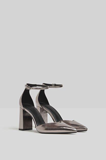 Bershka Blok Topuklu Ve Metalik Bilekten Bantlı Ayakkabı