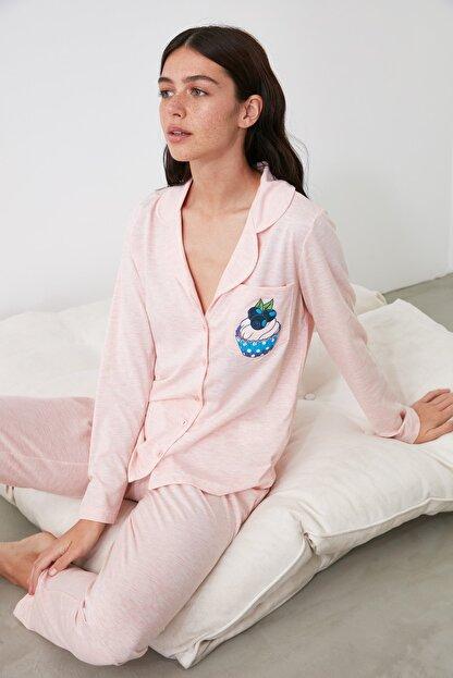 TRENDYOLMİLLA Pudra Baskılı Örme Pijama Takımı THMAW21PT0303