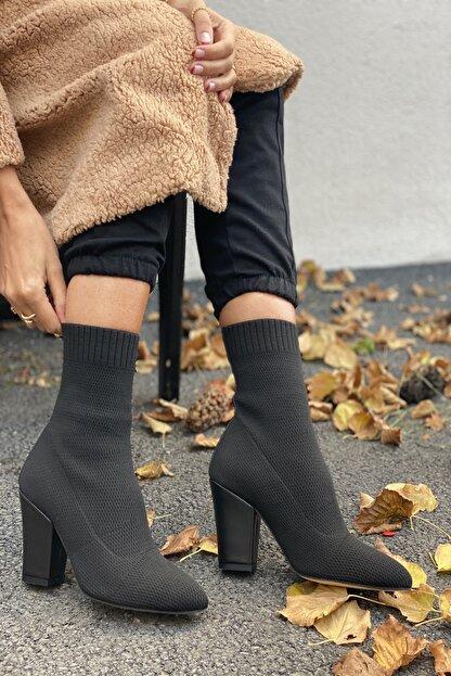 İnan Ayakkabı Kadın Siyah Sivri Burun Örgü Triko Model Topuklu Bot