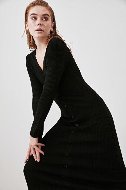 TRENDYOLMİLLA Siyah Düğmeli Triko Elbise TWOAW21EL2353