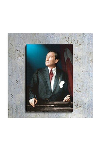 DECOBRITISH Atatürk Ve Türk Bayrağı Portre 50 Cm X 70 Cm Kanvas Tablo Tbl1199
