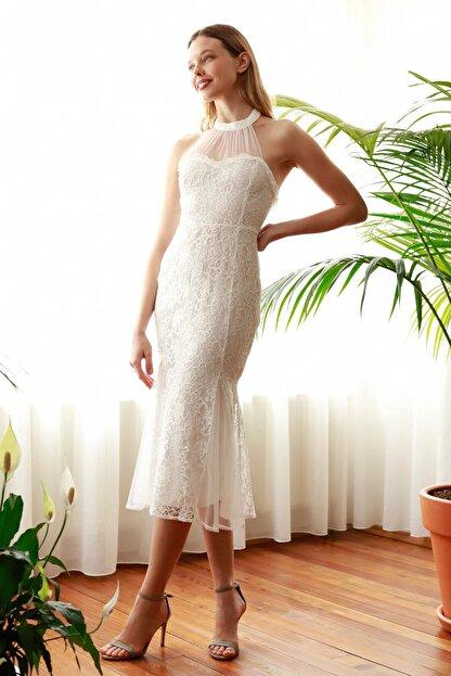 TRENDYOLMİLLA Ekru Yaka Detaylı Dantel Elbise TPRSS20EL2716