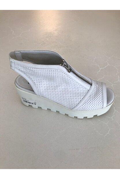 Beggi Kadın Beyaz Deri Dolgu Topuk Ayakkabı