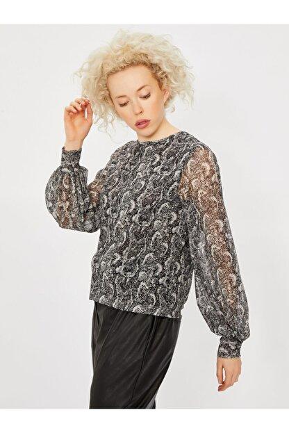 Vekem Kadın Gri Desenli Sıfır Yaka Uzun Kol Bluz 9107-0047