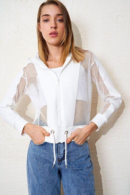 Eka Kadın Ekru File Detaylı Kapişonlu Bağcıklı Sweatshirt