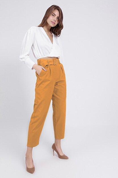 Y-London Kadın Sarı Kemer Detaylı Pileli Yüksek Bel Pantolon 39522